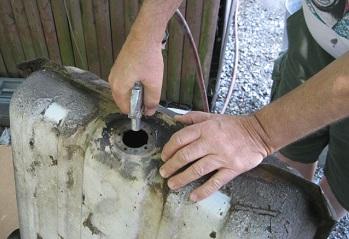Чем отремонтировать бензобак пробовали