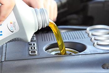 Картинки по запросу масло для двигателя